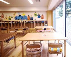 教室とバルコニー